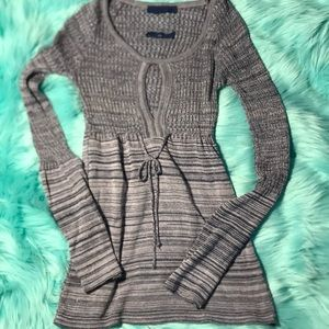 Sweaters - Cute bluish purple and pink sweater with key hole